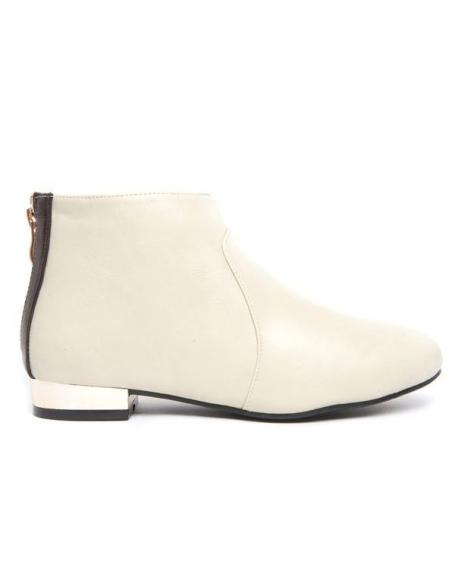 Chaussure femme blanc cassé à talon plat