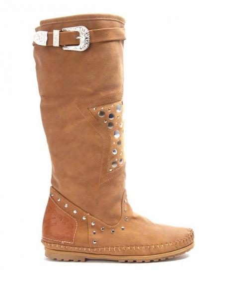 Chaussures femme Sinly: Botte plate ornée de clou camel