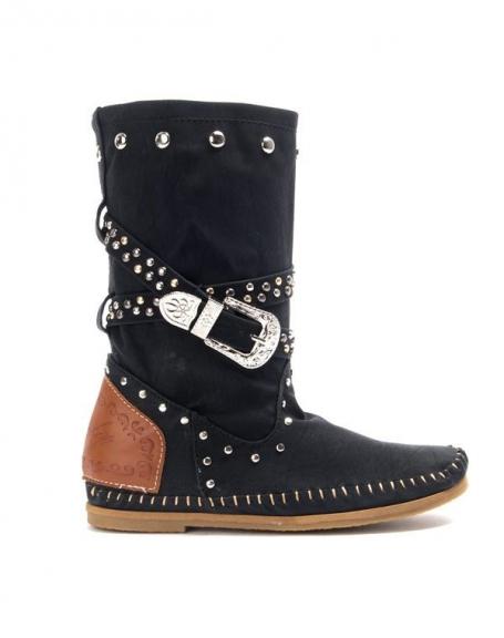 Chaussures femme Sinly: Botte plate ornée de clou noir