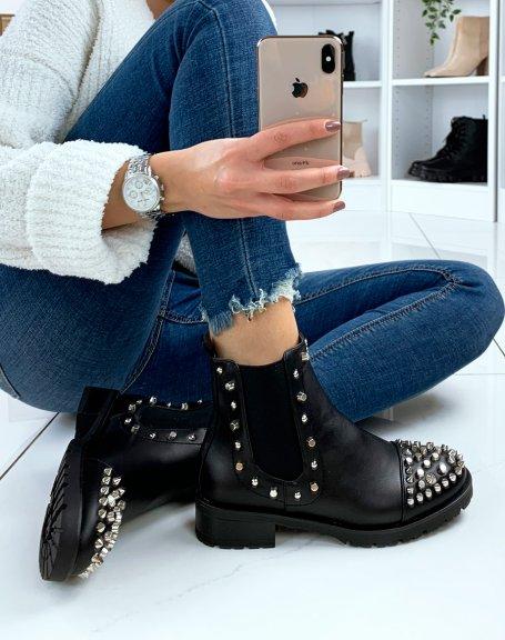 Chelsea boots noires à ornements argentés