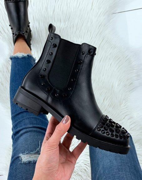Chelsea boots noires à ornements noirs