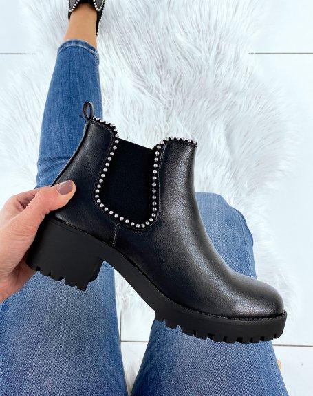 Chelsea boots noires à talon et semelle crantée et perles