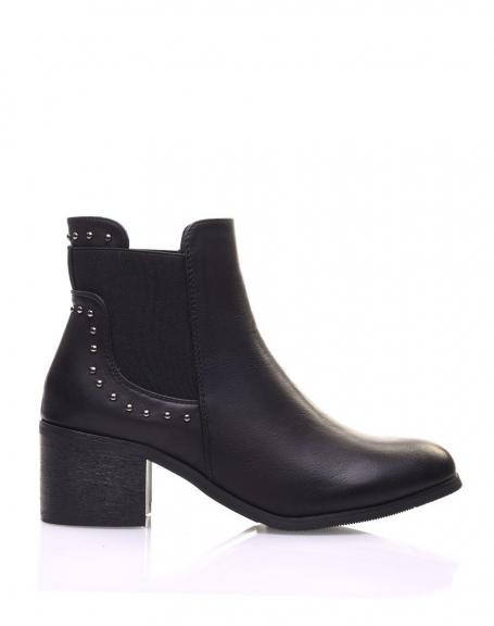 Chelsea boots noires cloutés à petits talons