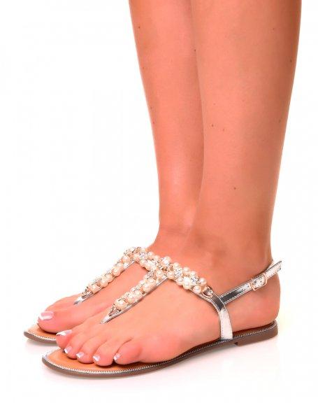 Nu-pieds argentés ajourés à perles et strass
