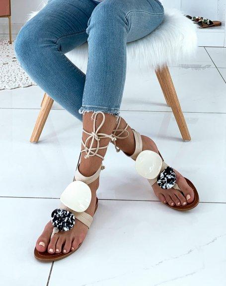 Nu-pieds beige ornés de deux empiècements à motifs
