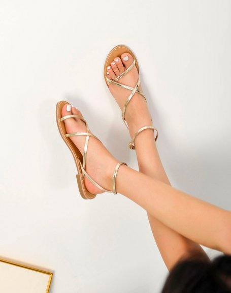 Nu-pieds dorés à multiples lanières fines