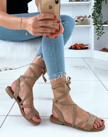 Nu-pieds en suédine taupe à lacets entrecroisés