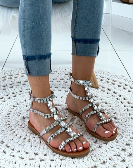 Nu-pieds montantes argentées à bijoux fantaisistes
