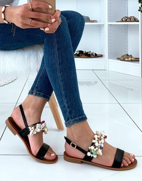 Nu-pieds noirs à perles et coquillages
