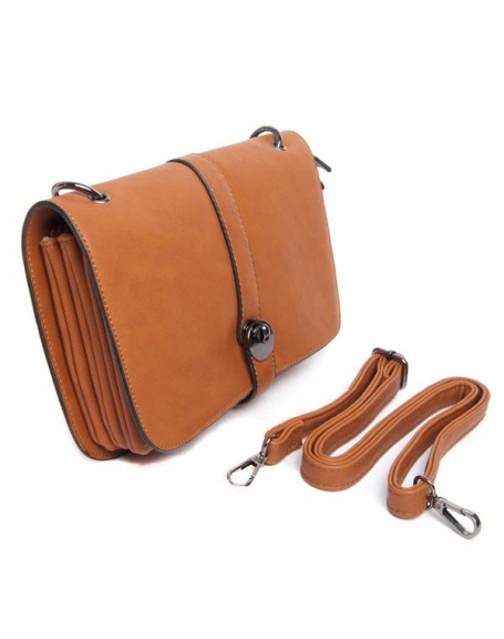 Petit sac à main camel Flora&Co porté épaule, rabat sur trois compartiments intérieurs