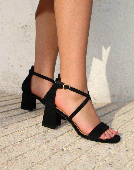 Sandale noire à lanière entrecroisée