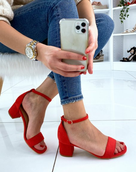 Sandale rouge en suédine à petit talon