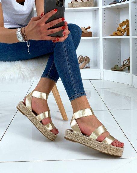 Sandales à semelles compensées et à multiples brides dorés