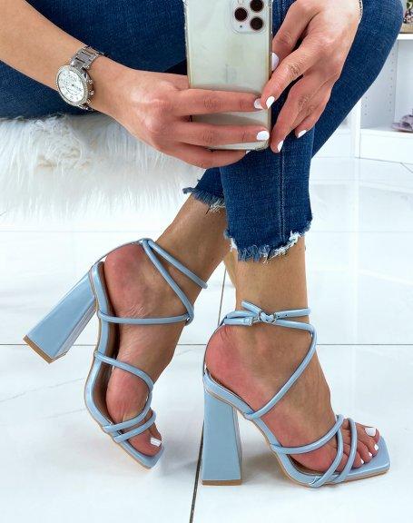Sandales à talon bleu pastel à multiple brides