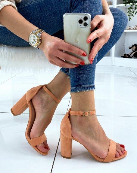 Sandales à talon en suédine orange pastel à fines lanières