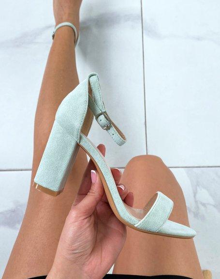 Sandales à talon en suédine vert pastel à fines lanières