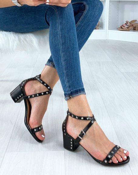 Sandales à talon noires cloutées