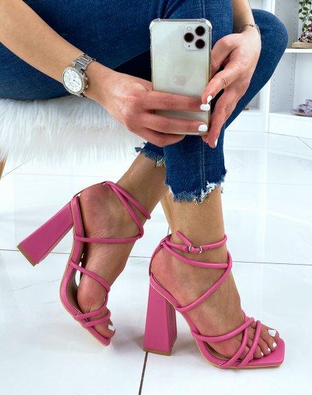 Sandales à talon rose fushia à multiple brides