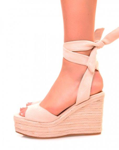 Sandales à talons compensés à lacets en suédine beige