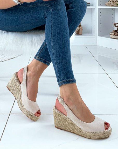 Sandales à talons compensés en suédine beige