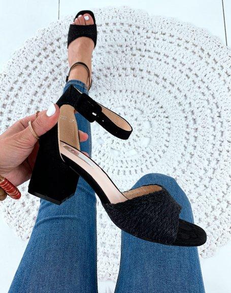 Sandales à talons noires avec bride en raphia