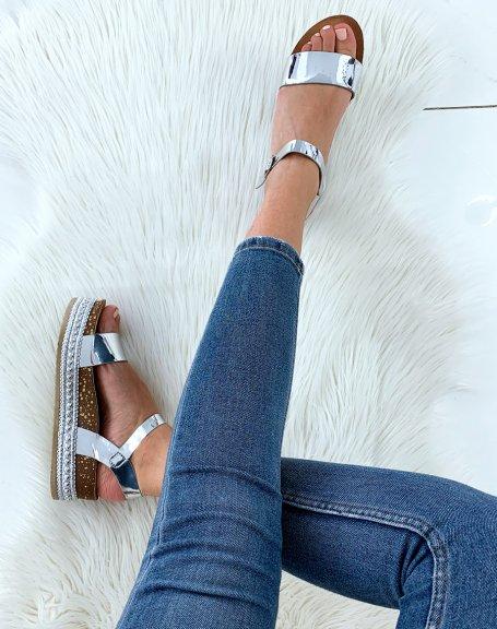 Sandales argentées à semelles compensées