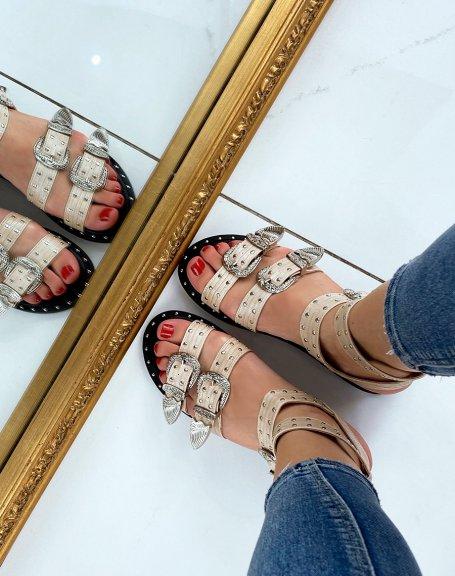 Sandales beiges à multiples brides ajustables cloutées