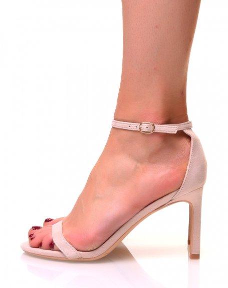 Sandales beiges en suédine à talons aiguilles