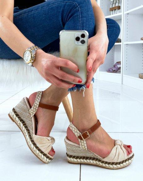 Sandales compensées beiges à bride en forme de noeud