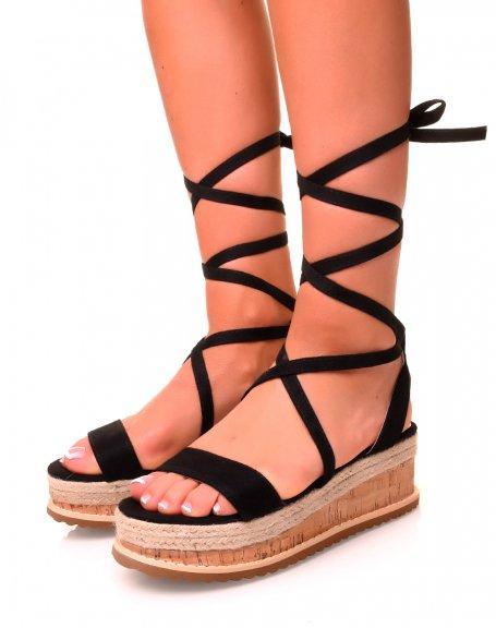 Sandales compensées en suédine noires à lacets