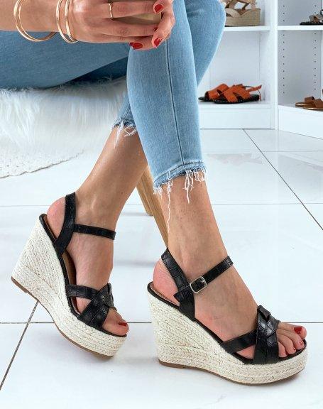 Sandales en similicuir noir effet croco à talons compensés