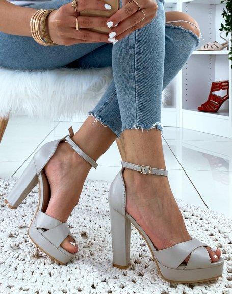 Sandales gris clair mat à talon carré et à plateforme