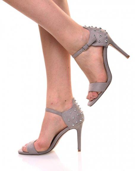 Sandales grises en suédine arrière clouté