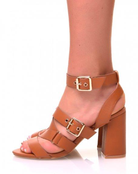 Sandales marrons ouvertes à talons carrés