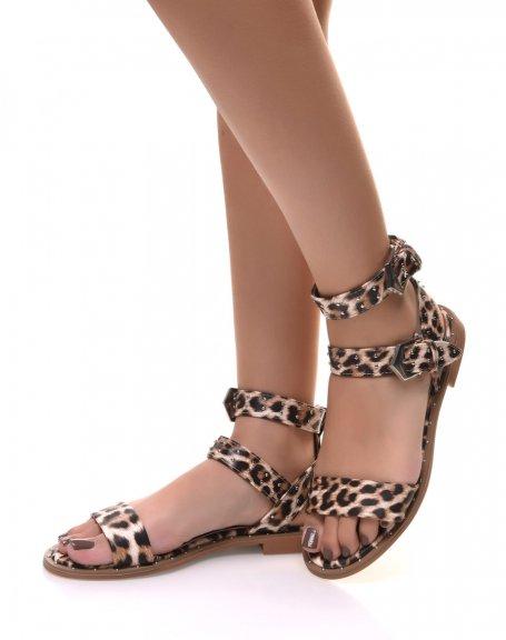 Sandales montantes à clous et à boucles léopard