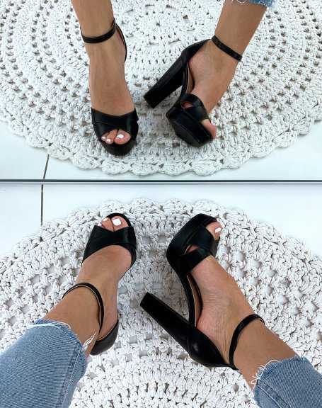 Sandales noir mat à talon carré et à plateforme