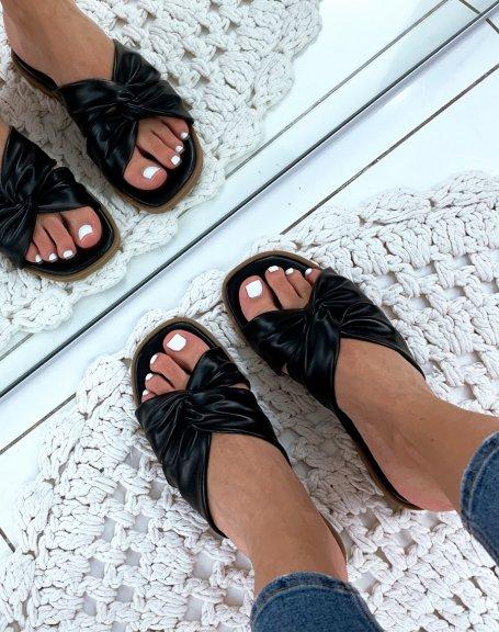 Sandales noires plates à brides entrecroisées