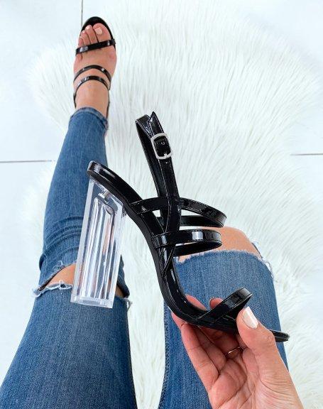 Sandales noires vernies à multiples lanières et à talons carrés transparents