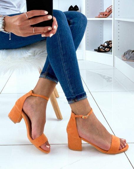 Sandales orange en suédine à talon carré