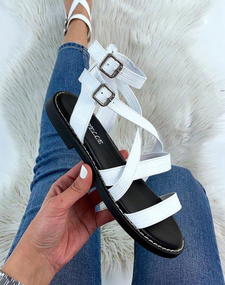 Sandales plates blancs à multiples brides