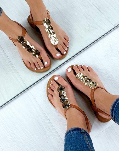 Sandales plates camel à bijoux rond dorés