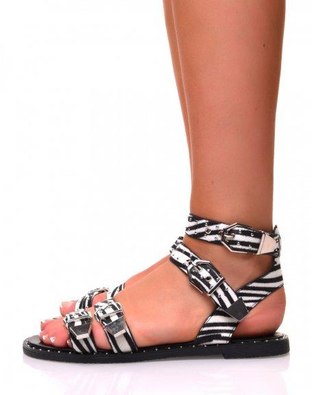 Sandales plates effet zèbre noires à boucles