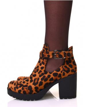 Bottines léopard en suédine ajourée