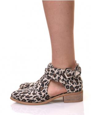 Bottines léopard plates ajourées cloutées
