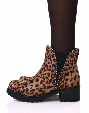 Chelsea boots semelles crantées léopard à clous ronds