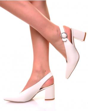 Escarpins blancs à petits talons ouverts à l'arrière