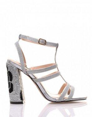 Sandales à paillettes argentées à talon brodé
