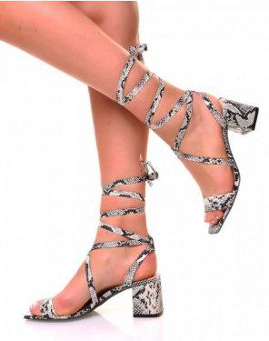 Sandales à petits talons carrés et lacets en suédine effet python