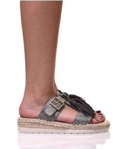 Sandales couleur étain à bride et pompons
