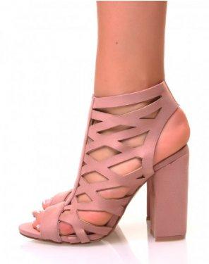 Sandales en suédine rose à talons carrés